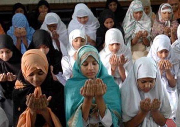 why do many muslims attach as The same dynamics hold true in many countries where muslims live in large numbers alongside other religious groups for example, india's number of muslims is growing at a faster rate than the country's majority hindu population, and is projected to rise from 149% of india's 2015 population to 194% (or 333 million people) in 2060.