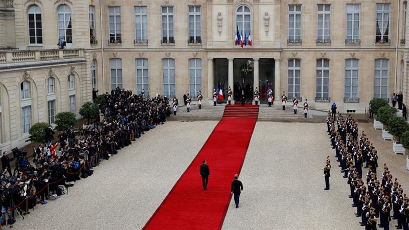 FRANCE: Emmanuel Macron resumespresidency