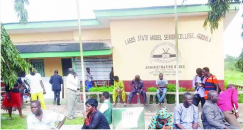 Parents Of Kidnapped Lagos Pupils Pay N31m Ransom and vow to wreck the Ambode administration as he snubs to help
