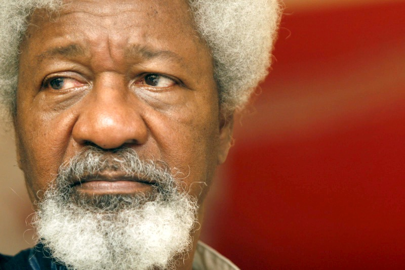 In generosity professor Wole Soyinka pay in full tuition fees of 1000 students in leadership course