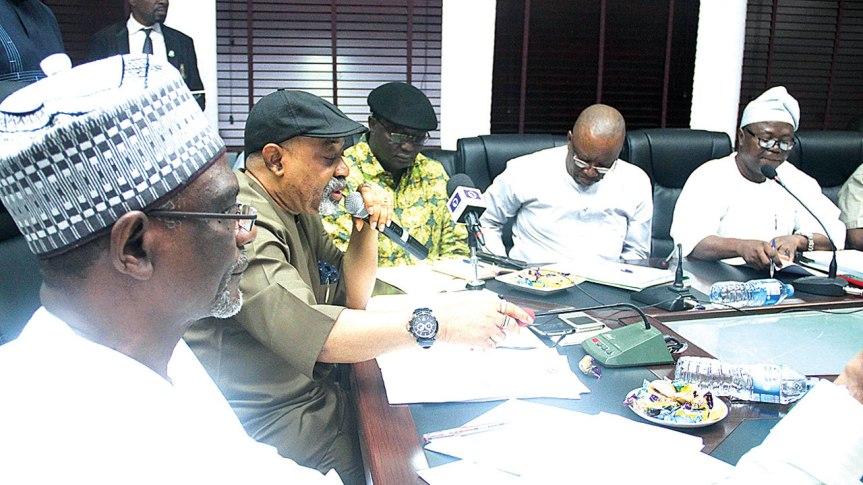 NIGERIA: ASUU calls off five-week oldstrike