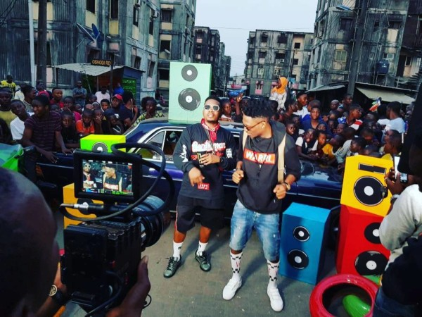 """Behind The Scene: Efe And Olamide Storm The Street For """"Warri"""" Visual"""